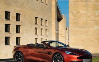 Mercedes-Benz could buy out Aston Martin