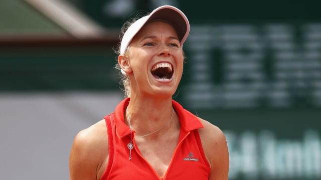 Teenager Ostapenko shocks Wozniacki to reach last four