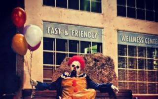 Creepy clowns terrorise California towns