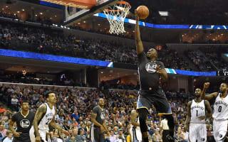 Warriors' bid alive, Bulls still in play-off race