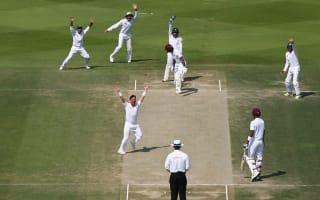Yasir on song again as Pakistan turn the screw