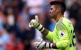 Valdes: No bad words for Van Gaal or United
