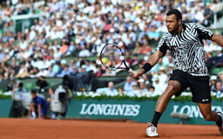 Adductor injury forces Tsonga out, Djokovic races through