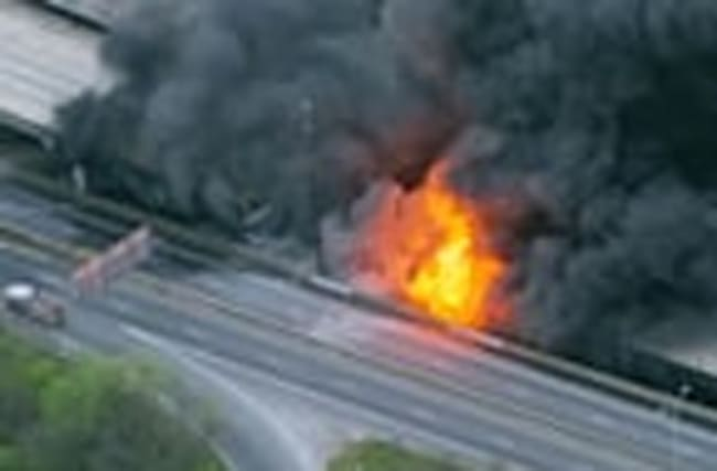 Major freeway fire creates Atlanta traffic nightmare