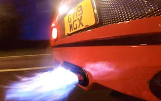 Ferrari F40 spits flames thanks to exhaust upgrade