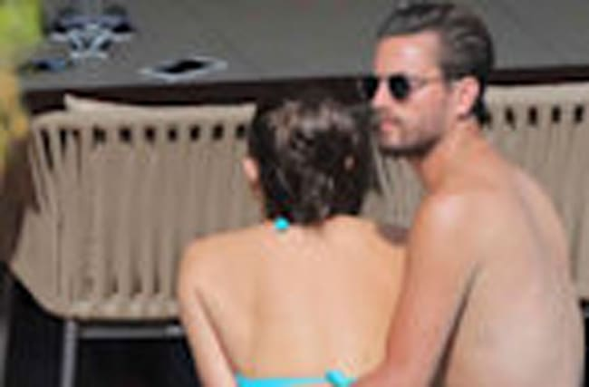 Scott Disick Gets Cozy With 2 More Women in Cannes After Bella Thorne and Ex Chloe Bartoli