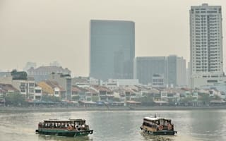Video: Singapore chokes in 'potentially deadly' smog from Indonesia fires