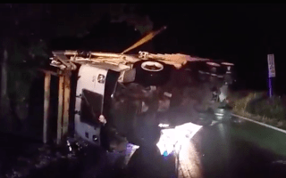 Flipping heck! Bin lorry rescue goes wrong