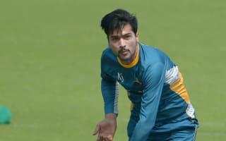 Pakistan's bowlers struggle at Hove