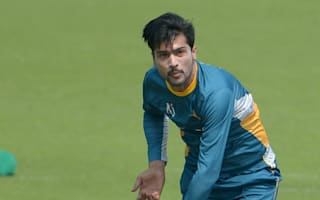 Pakistan's bowlers struggle at Hove