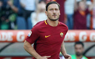 Strootman: Totti could play for another five years
