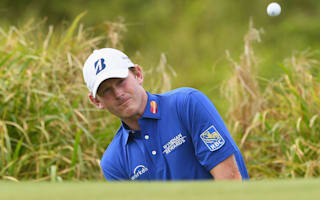 Snedeker makes move in Fiji