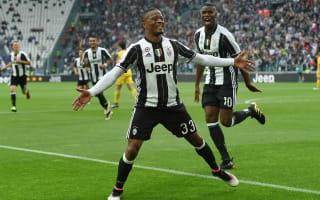 Evra signs new Juventus deal