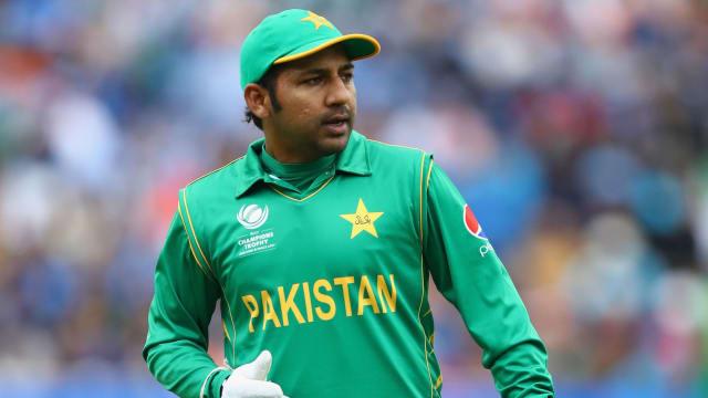 Rain stops play: Pakistan won by 19 runs (D/L method)