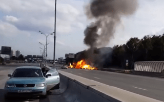 Truck transporting gas canisters explodes in Russia
