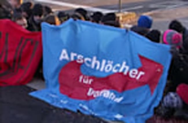 Protesters block access to far-right leaders meeting in Koblenz