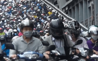 This all-scooter traffic jam is simply ridiculous