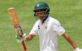 Wickets tumble as Pakistan declare on healthy lead