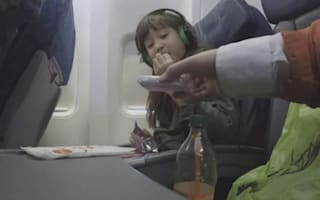 Here's how close strangers can get to unaccompanied kids on planes