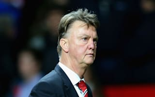Only wins can save Van Gaal - Zenden