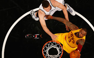 Nets stun Cavs, Thunder win