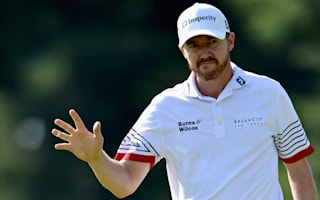 Walker takes 54-hole lead at Baltusrol
