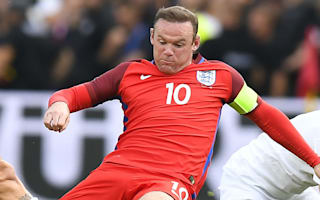 Rooney closes in on Shilton record, ex-goalkeeper says he should retire