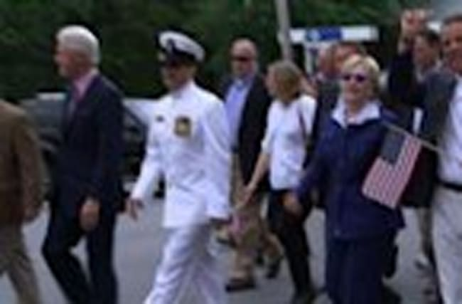 Clintons March in Hometown Memorial Day Parade