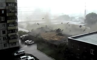 Storm rips off house roof in Siberia
