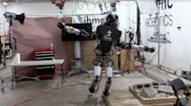 Mira cómo el humanoide de Boston Dynamics aguanta el equilibrio con una 'pierna'