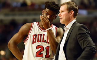 Butler boosts Bulls' hopes, Clippers cruise