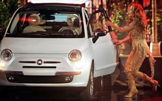 Video: J-Lo takes Fiat 500 on stage at the American Music Awards