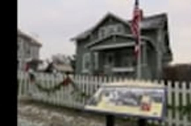Glenn Mourned at Museum in Ohio Hometown