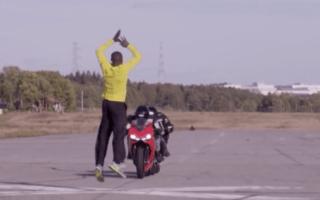 Stuntman jumps over speeding motorbikes