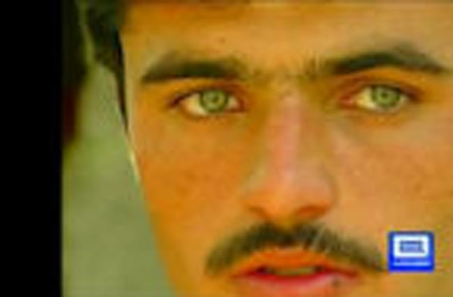 Hot tea vendor in Pakistan becomes overnight star