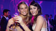 Ever wonder what young women go through to try to become a top model and household name like Gisele or Bar, (respectively Bündchen and Rafaeli)? Wonder no more. Who scou...