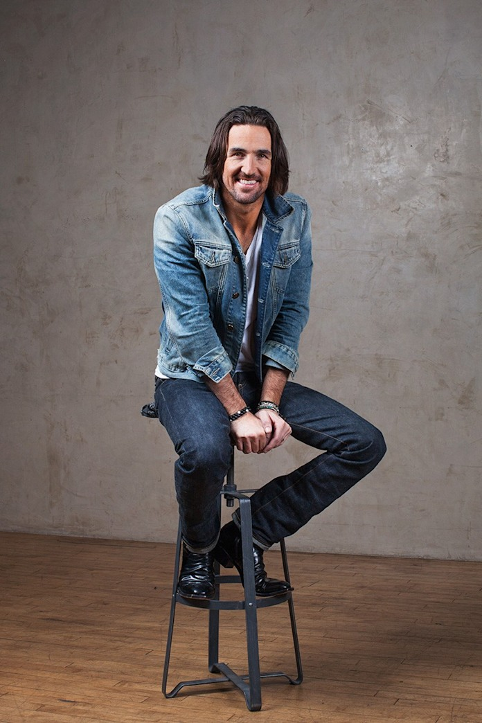 Country music sensation Jake Owen talks his new album, Days of Gold, & answers your questions