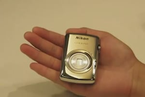 Nikon Coolpix S01 Hands-on