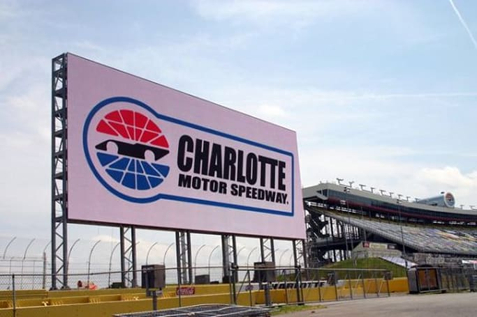 World's largest HD screen makes its debut tonight during NASCAR All-Star race