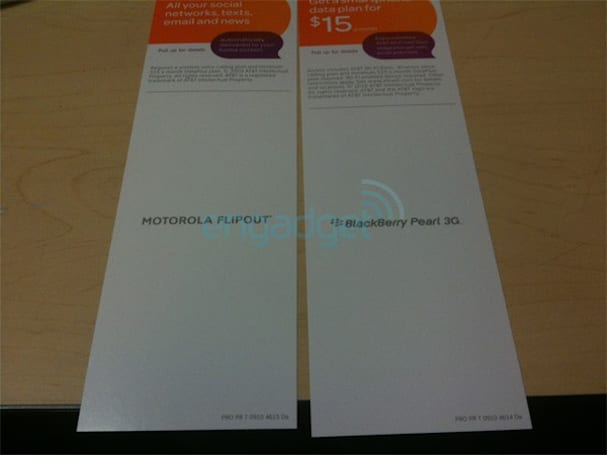 Motorola Flipout coming to AT&T this weekend, Windows Phone 7 gear on October 17?