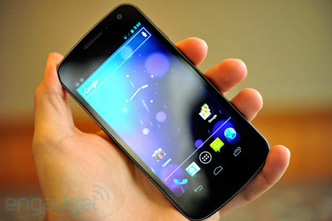 Samsung Galaxy Nexus with Ice Cream Sandwich hands-on (video)
