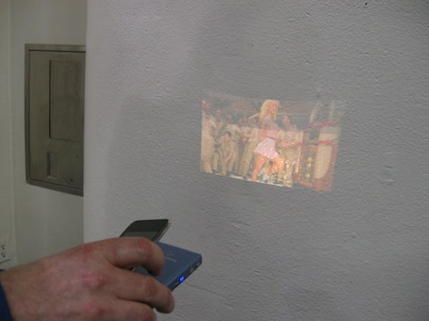Macworld 2010: Hands-on with Microvision's SHOWWX laser pico projector