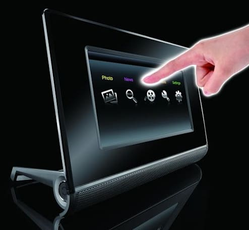 Giant International's touchscreen Intouch IT7150 photo frame: disembodied hand not included