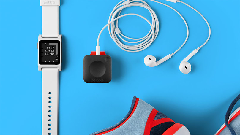 Fitbit 正式把 Pebble 買下了