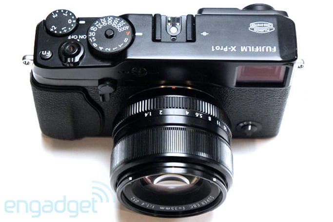 Fujifilm X-Pro1 interchangeable lens camera preview (video)