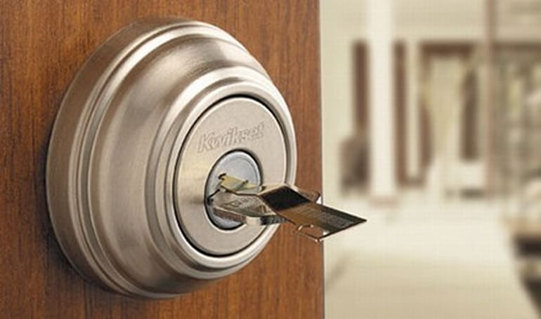 Kwikset's SmartKey gives lock bumpers a whole new challenge