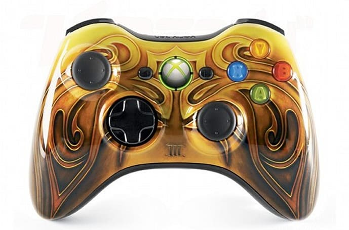 Fable III's special edition Xbox 360 controller, morally ambiguous and gold