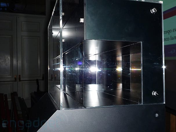 Eyes-on with Sony's 0.3mm OLED