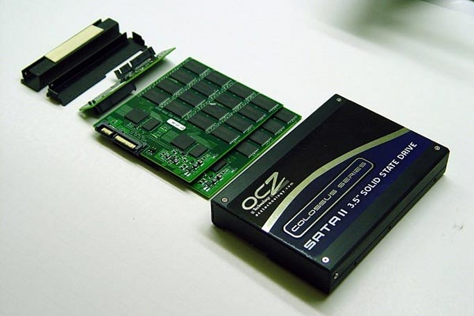 OCZ's Colossus desktop SSD gets reviewed: oh yeah, it's fast