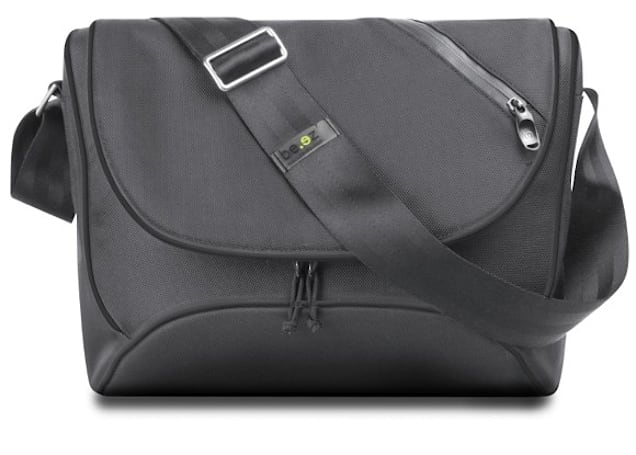 Engadget's recession antidote: win a be.ez LAbesace LIME DROP laptop case!